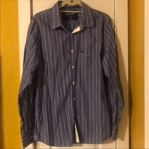 American Eagle button-up